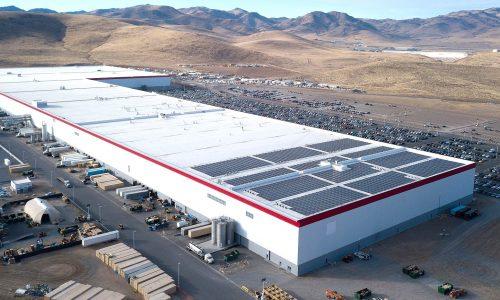 Atak na Tesla i zakład Gigafactory